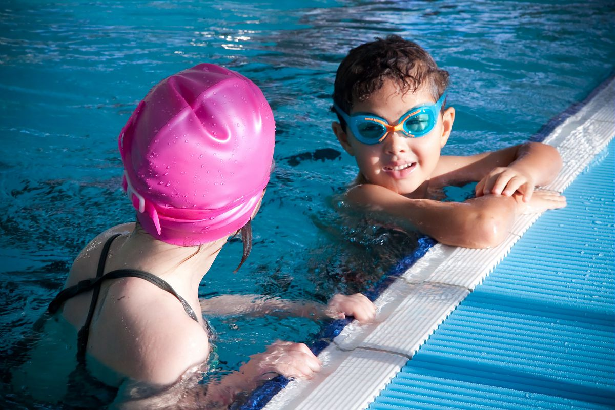 Sports et loisirs sur grand chamb ry grand chamb ry for Piscine de buisson rond